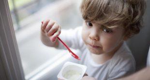 صورة متى ياكل الطفل الزبادى , في اي سن ياكل الرضيع الزبادي