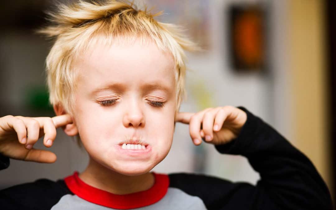 صورة كيف تتعامل مع طفلك العنيد , نصائح مضمونة للتعامل طفلك العنيد 3763 2