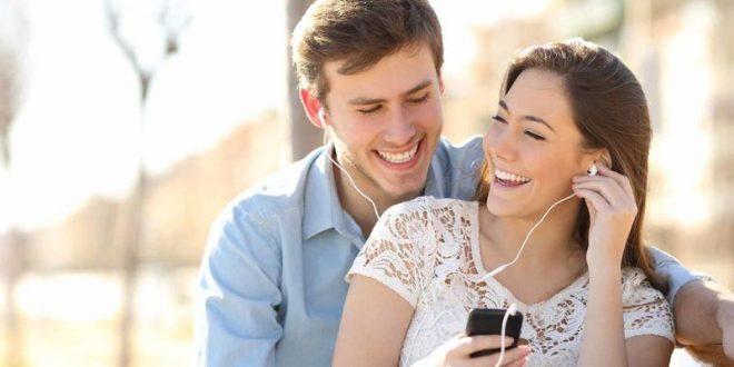 صورة كيف تجعل شخص يحبك بالكلام في الهاتف , ازاي اخلي شريك حياتي يحبني في الفون